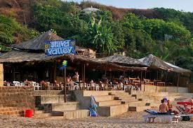 Пляж против офиса – причины популярности дауншифтинга